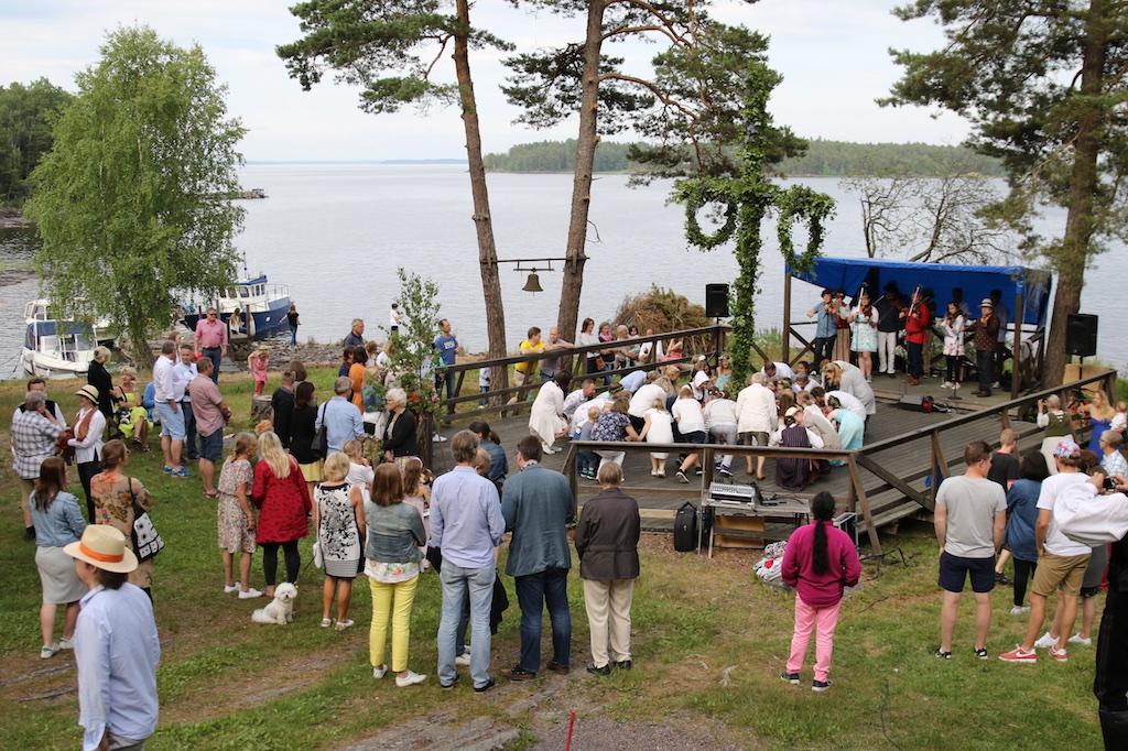 /webstorage/wp content/blogs.dir/46/files/2016/06/StenuddenMidsommar2016